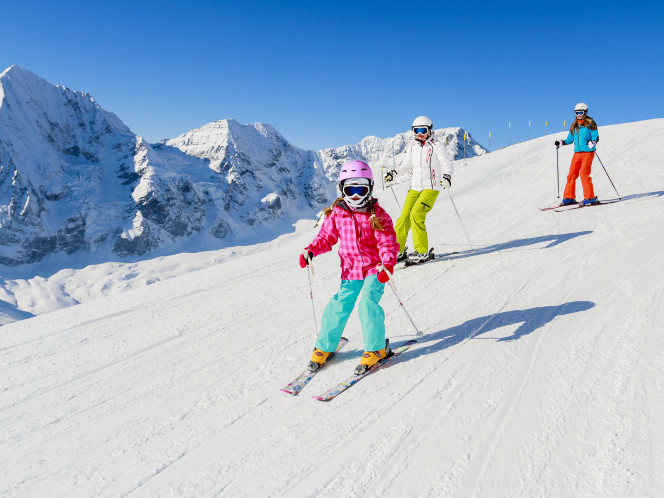 skieur adulte et enfant